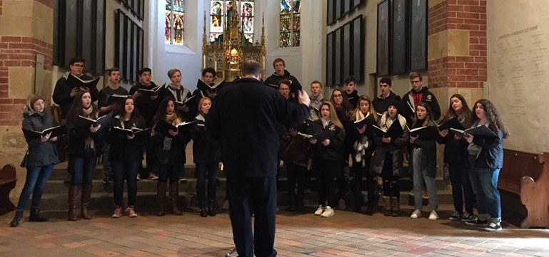 Pennsbury choral students offered an informal concert at St. Thomas Church in Leipzig, Germany during their tour of Germany and the Czech Republic.